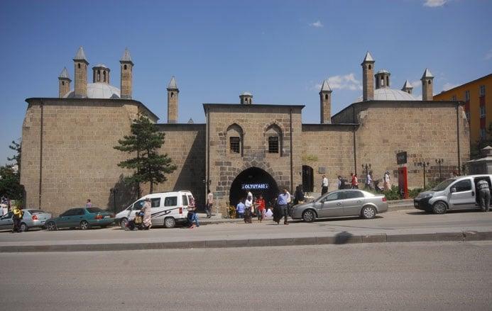 Rüstem Paşa Bedesteni (Taşhan)
