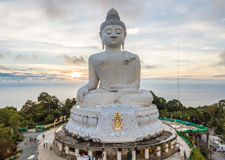 Mavi ve yeşilin simgesi Phuket'e gitmek için 6 neden
