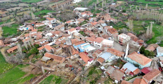 İtalya değil Türkiye! Evlerin altından su akan Ağaçköy Venedik'i andırıyor